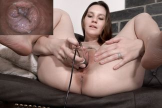 click to see the video/photos: 'Elena & PussyCam'