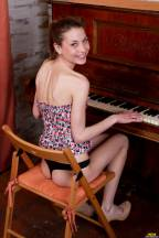 Piano lesson [April 29, 2013] - iveta001_p.jpg
