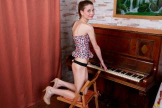 Piano lesson [April 29, 2013] - iveta008_p.jpg