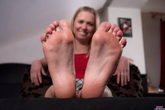 Footsie [January 27, 2018] - violeta14006_p.jpg